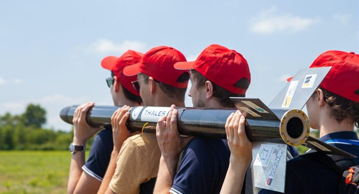 La 55eme edition du C'Space a eu lieu du 14 au 21 Juillet 2018 au Camp de Ger du 1er RHP (Regiment Hussards Parachutistes), pres de Tarbes. L'edition 2018 a regroupe 290 participants et 26 clubs etudiants pour 45 projets. La semaine etait rythmee par des lancements de fusees experimentales et de mini-fusees et des lachers de CanSats et de 2 ballons stratospheriques.